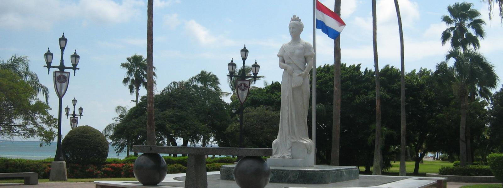 Slenteren door Oranjestad…Wilhelmina en WOII!