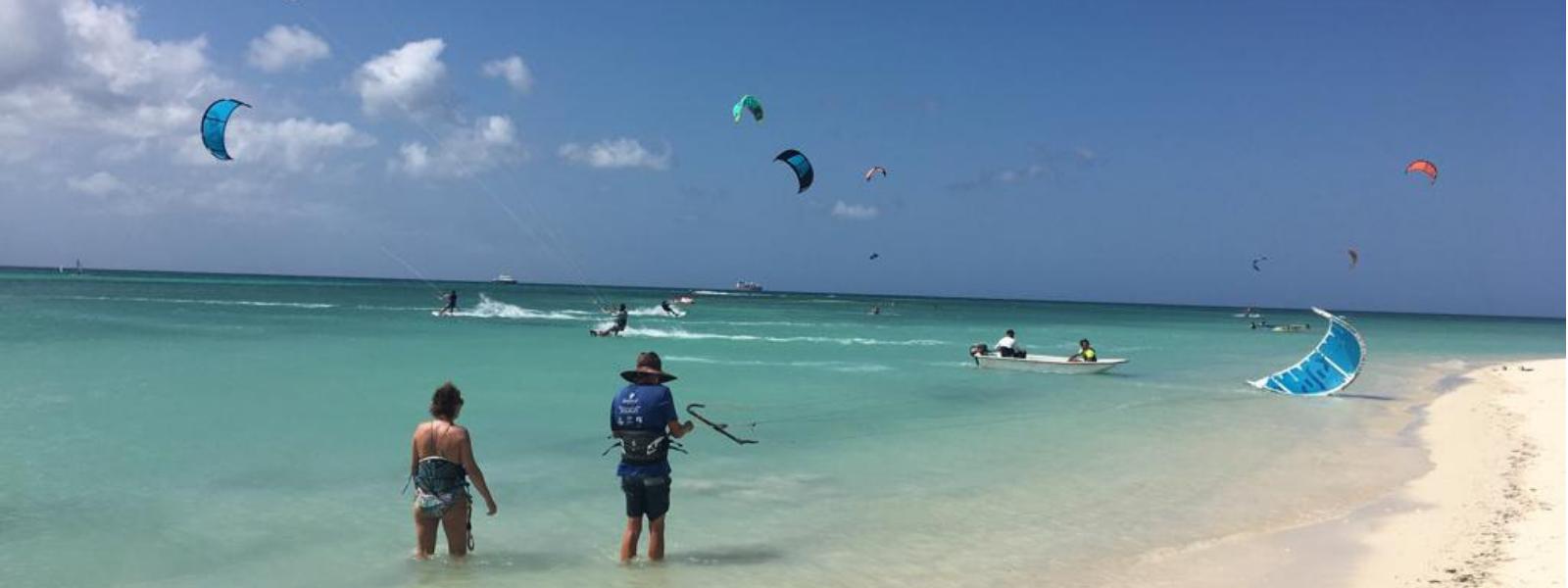 Kitesurf-les op Aruba zeker doen!